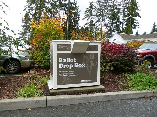 Snohomish County Ballot Drop Box in Flowerbed near MLT Library